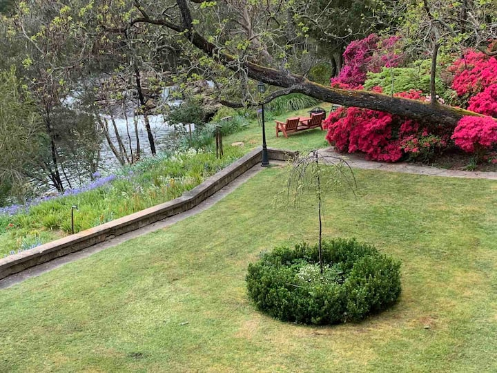 Rockpool Gardens  Magical Riverfront Accommodation