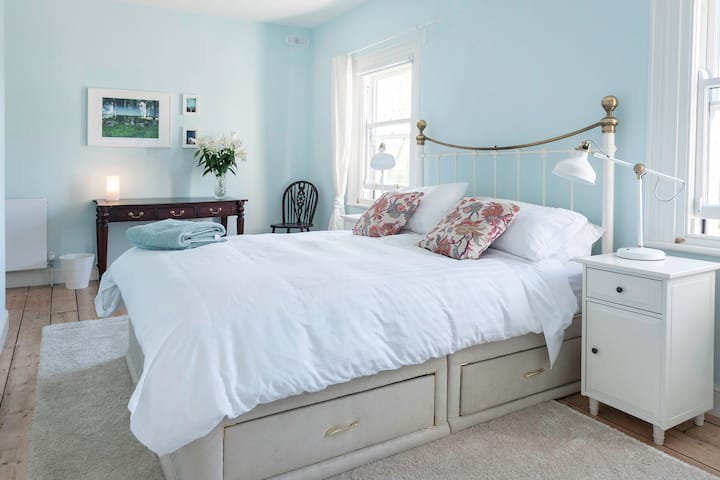 Bedroom in Victorian Family Home Private Bathroom