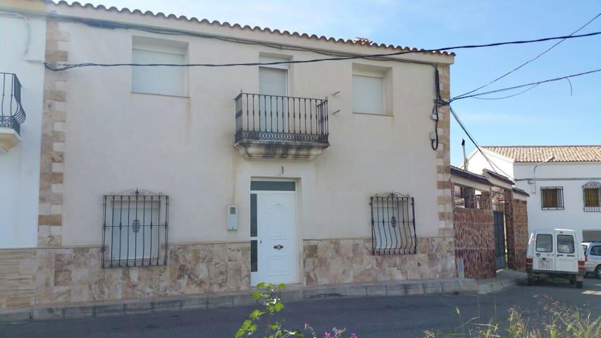Casa rural de 6 dormitorios. - Arboleas - Huis