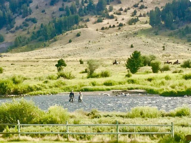 Big Sky Condo/Gallatin River Access -Big Horn Unit