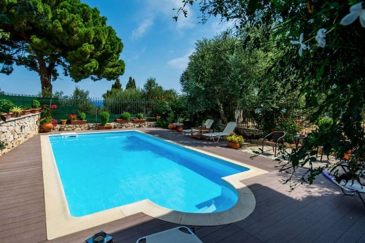 Villa Dione - Beautiful & Charming Villa - Akrotiri - Villa