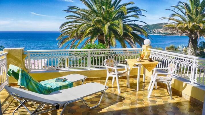 Flora Beach Studio 5 - mit wunderschönen Meerblick nur 50m vom schönen Sandstrand entfernt