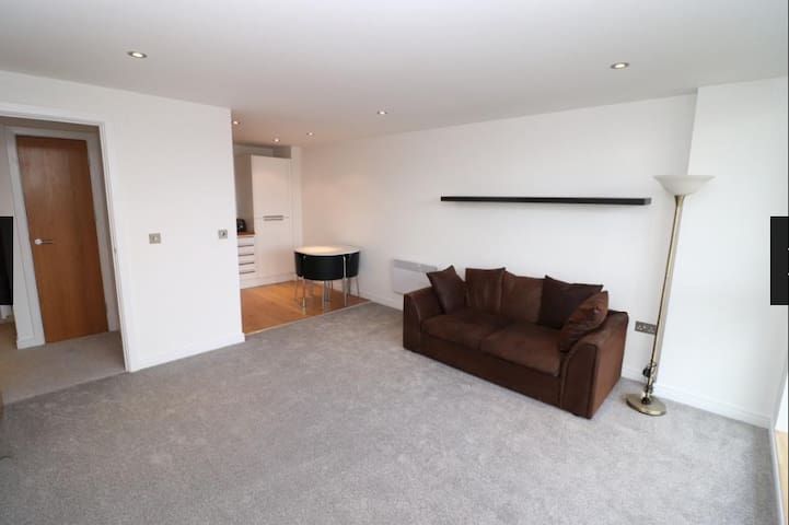 City Centre 1 bed Apartment to accommodate 4
