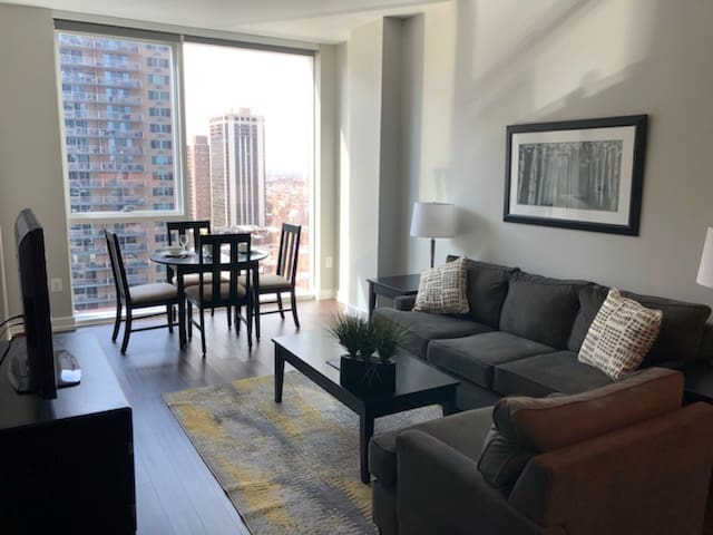 Luxe High-Rise 1 Bedroom on Market in Center City