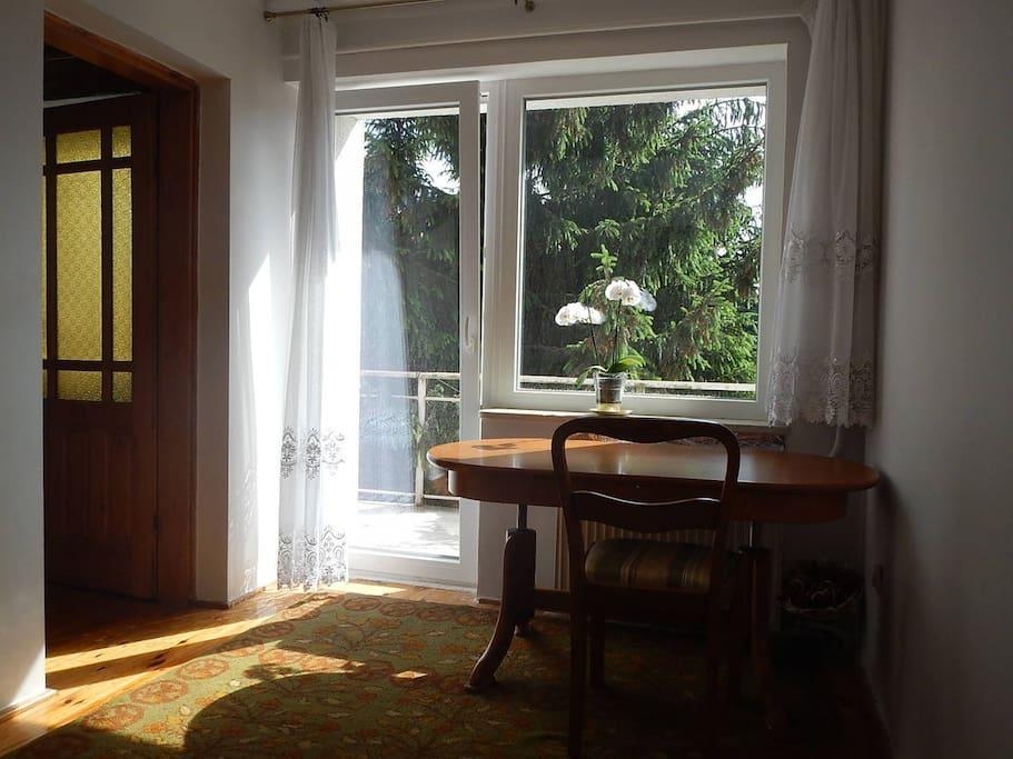 Pokój - widok na balkon