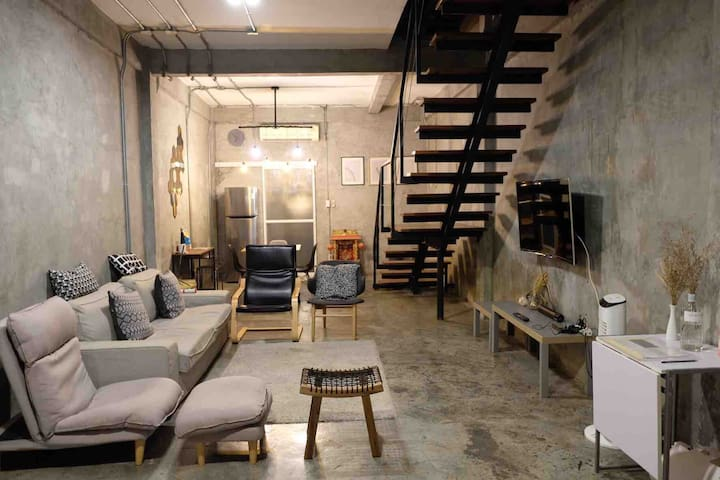 ⚜ Modern Loft Design Home in Siam, 5 mins to BTS