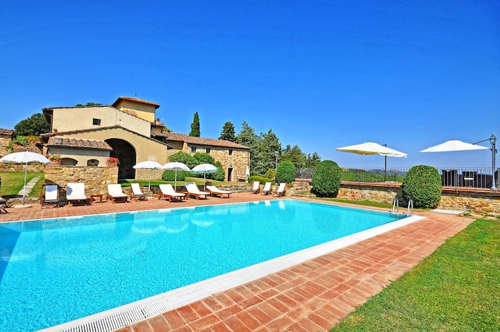 Tenuta 4 - Country house with swimming pool on the Chianti hills, Tuscany