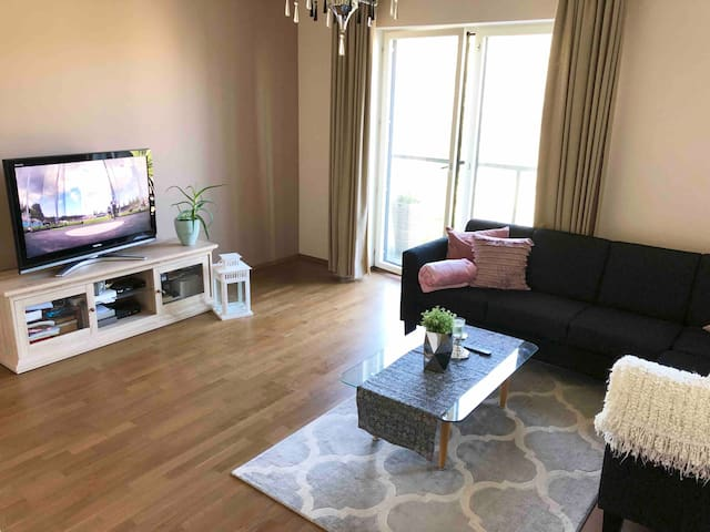 Apartment besides Old Town. Free inside parking