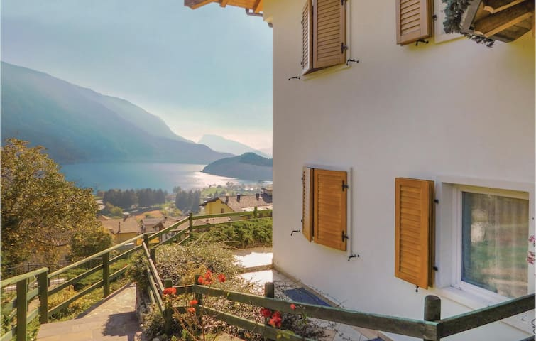 Holiday apartment with 2 bedrooms on 50 m² in Molveno (TN)