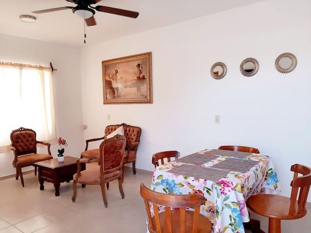 Apartamento cerca de Plazuela Machado/a 5min playa