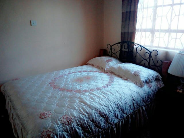 Mercy's guesthouse - kitengela - House
