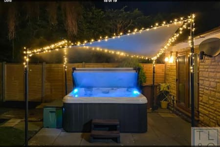 Beautiful Cotswold House in Broadway with hottub
