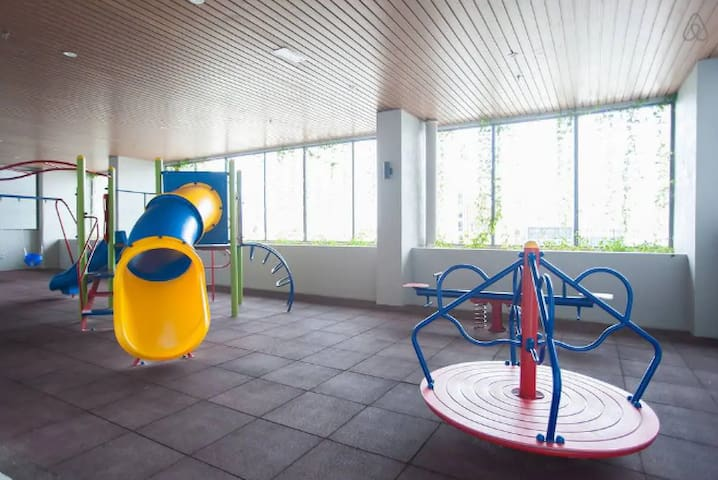 Atlantis/SeaView/1R:4-6Pax/HighFloor/IndoorParking