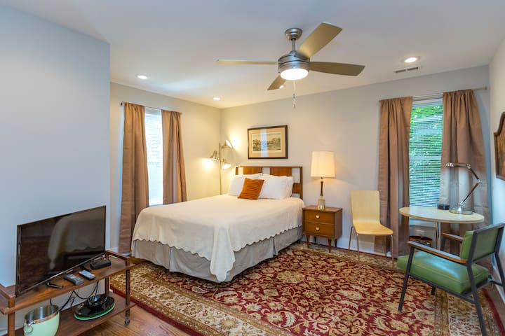 Nice Comfy Cozy Monthly Downtown! Buc/Germantown