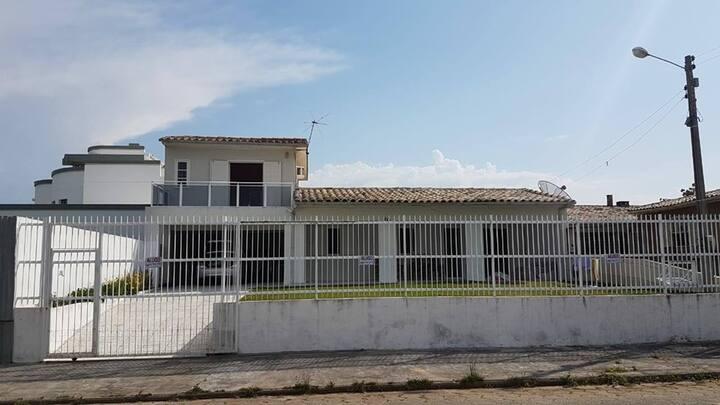 Casa Balneário Rincão uma quadra do mar