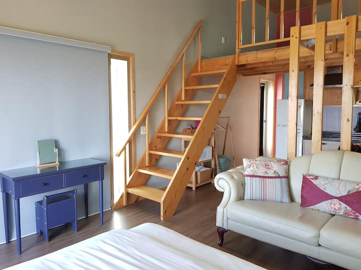 제주 개구리펜션 2인실 산방산 바로 아래 풍경 좋은 2층의 숙소