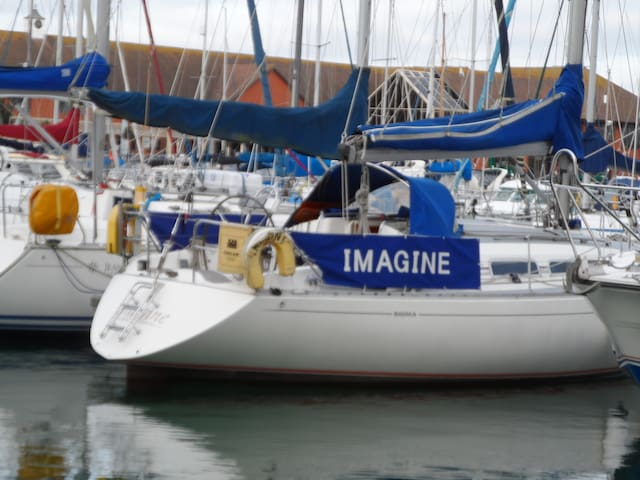 Imagine - Eastbourne - Båt