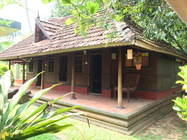 Air conditioned Heritage Family Villa at Marari
