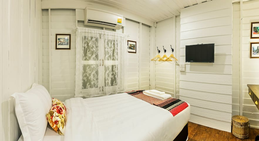 Baan Kachitpan - Single Room - Bangkok - Wikt i opierunek