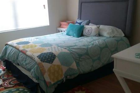 Cozy Quarters - Coral Springs - Lägenhet