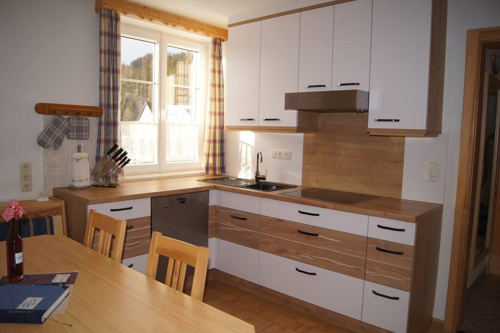 2015 Neu Renovierte Küche mit Top Ausstattung