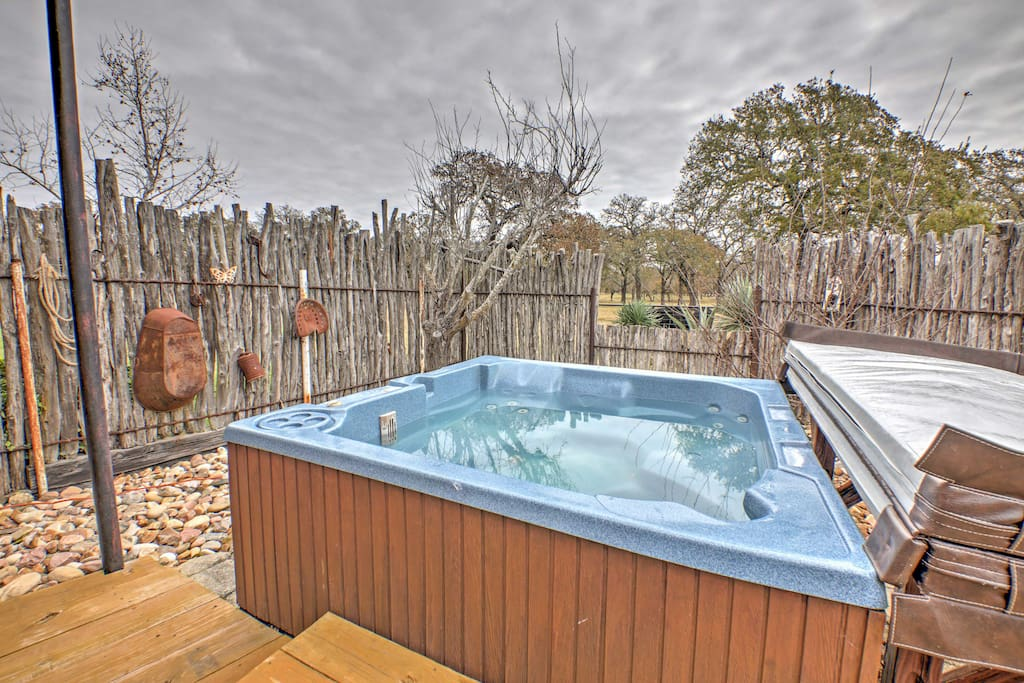 This cozy home offers a private hot tub, where you can take a soak in seclusion and then treat yourself by putting on the supplied spa robes