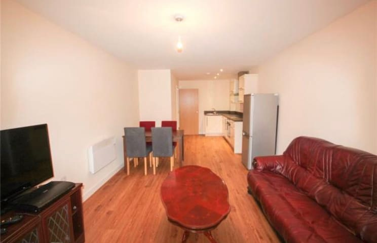 New 2 Bedroom Apartment - Leicester - Huoneisto