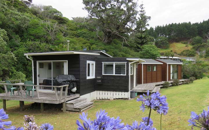 Kiwi Bach & Cabins in Idyllic Location