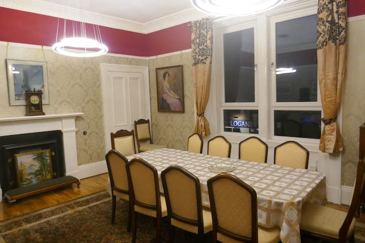 Brechin, Angus Elegant Edwardian Flat - 4 bedrooms