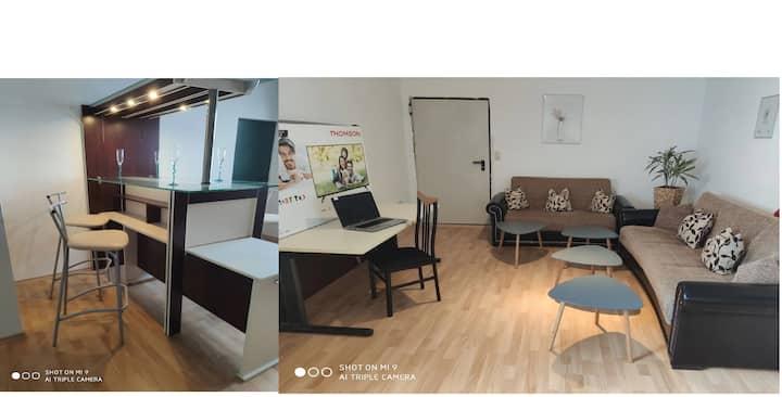 Wohnküche mit Separaten Schlaf-/ Badbereich+(2SZ)