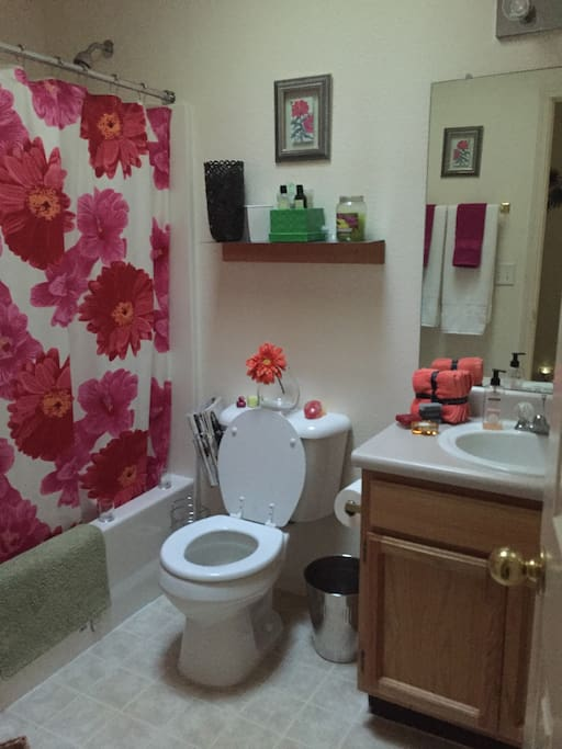 Room on westside el paso enjoy and pay less houses for for Kids party rooms in el paso tx