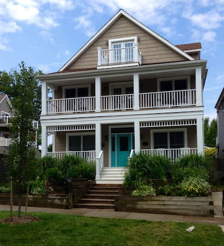 Panella's Place.  June 11-18 special! - South Haven - House