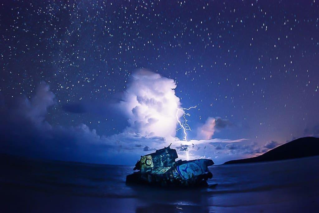 At night in Flamenco Beach