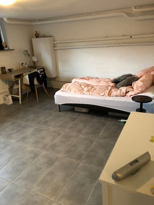 1 soveværelse seng 140x200
