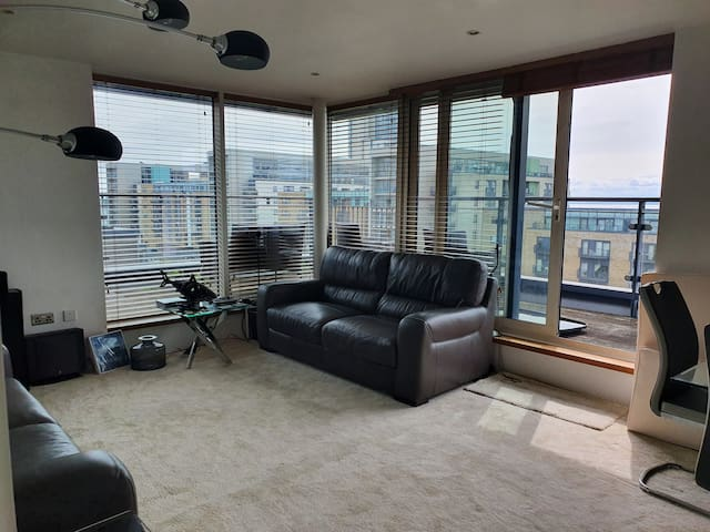 Penthouse Apartment in Cardiff Bay