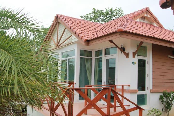 Lake Room at Thongsathit Hill Resort