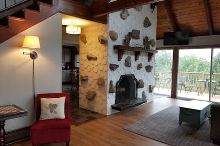 Recently Renovated - Amazing Views- Pet Friendly