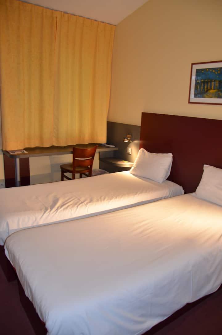 Chambre 2 personnes MAPE HOTEL