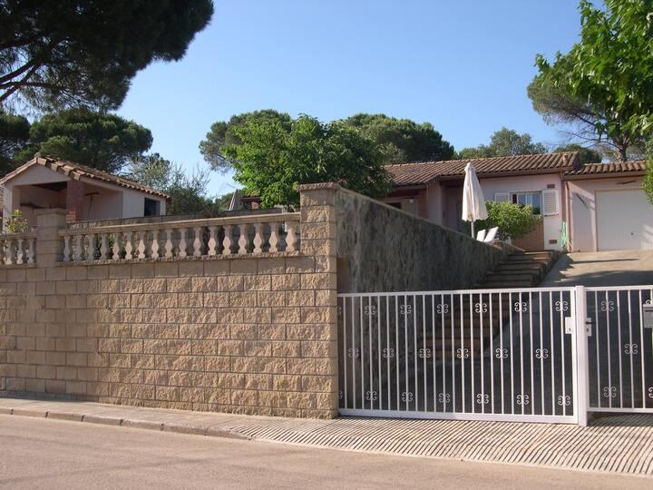 Une jolie maison à une demi heure de Barcelone