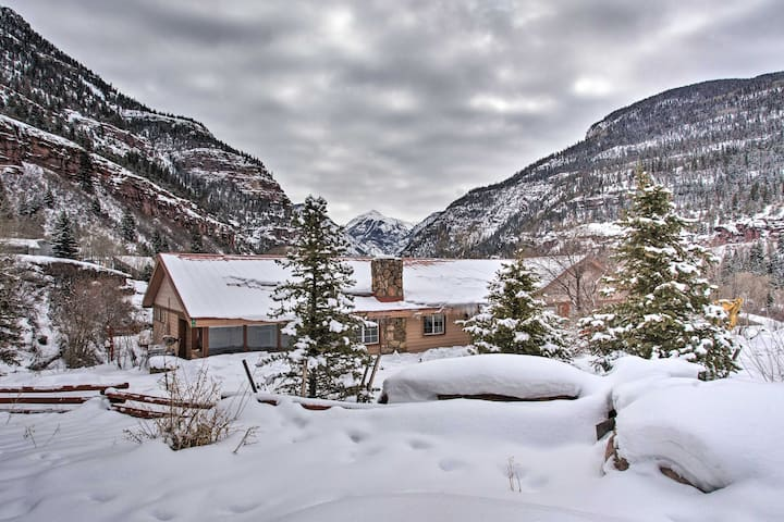 NEW! Ouray Cabin with Patio - 3 Miles to Downtown!