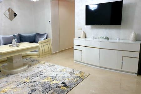 Luxury 2 bedroom apartment newly furnished