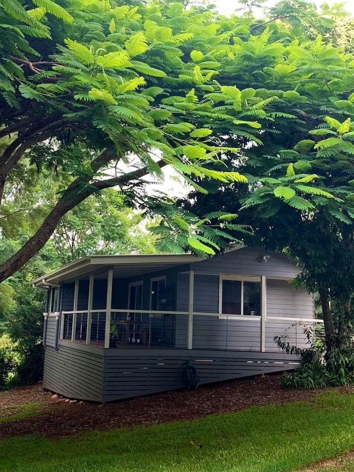 Rednecks Cottage