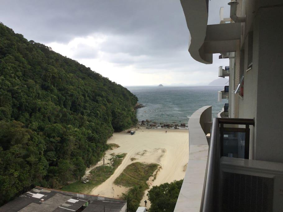Vista da varanda dos quarto: praia de Riviera de São Lourenço