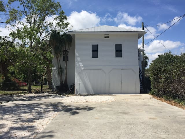 Indian River Drive Getaway - Fort Pierce - Appartement