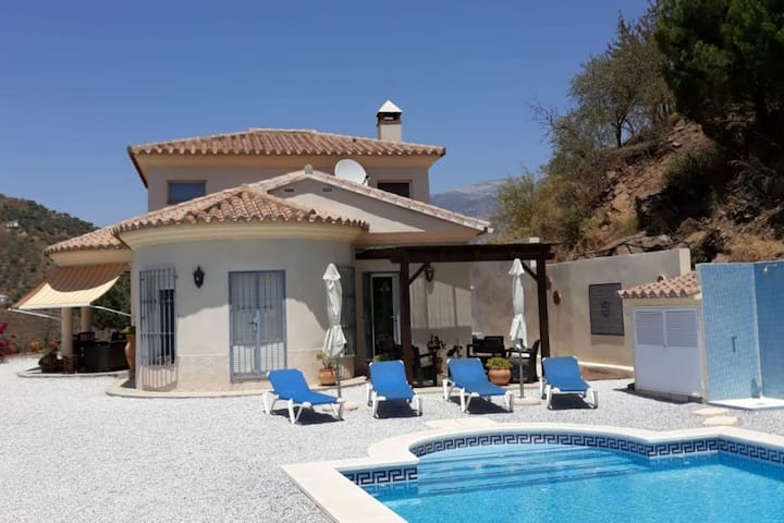 Gorgeous Villa in Arenas Spain With Private Swimming Pool