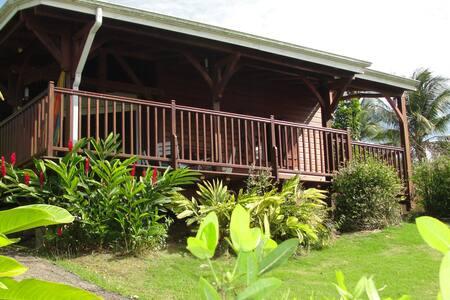 Joli bungalow DEDAY avec vue sur mer et montagne