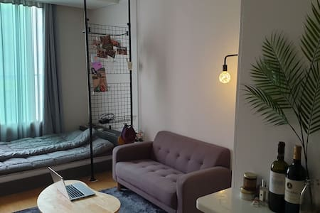 Entire house! 5mins from the subway station!AllNew