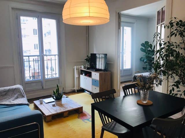 Cozy and quiet Parisian room