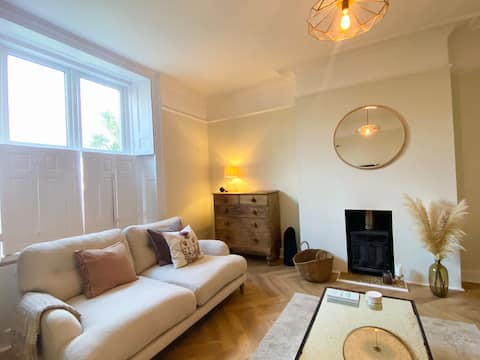 Cosy Georgian apt, 15 min walk from Old Harbour