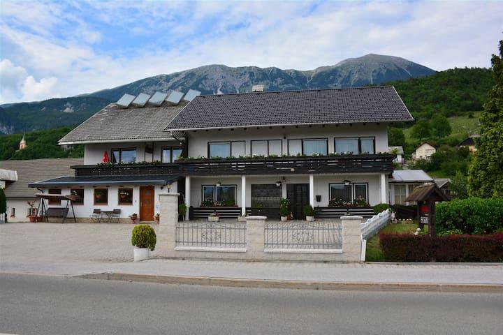 Apartma David, Zima house, near Bled